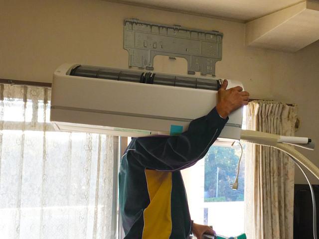 エアコン工事の繁忙期・閑散期について